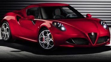 2014 Alfa Romeo 4C-Front Side